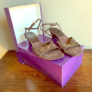 Enzo Angiolini Brown Sandals with Brass Decoration